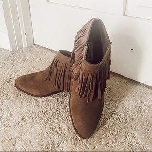 EUC! Steve Madden Taupe Suede Booties-Size 10